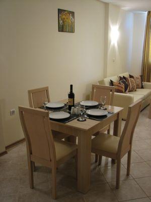 F521 Dining Area