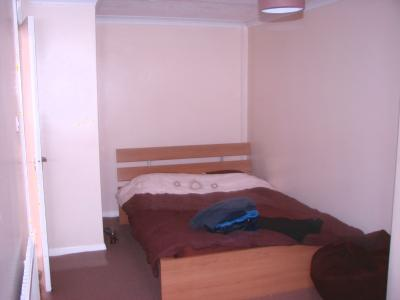 P0034 master bedroom