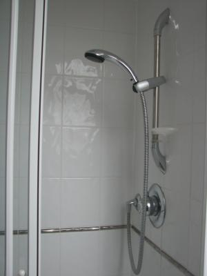 P0036 En suite Shower