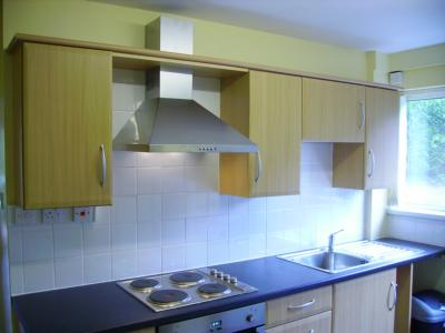 Kitchen with Fitted Hob and Oven