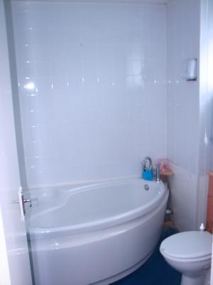 P0034 family bathroom